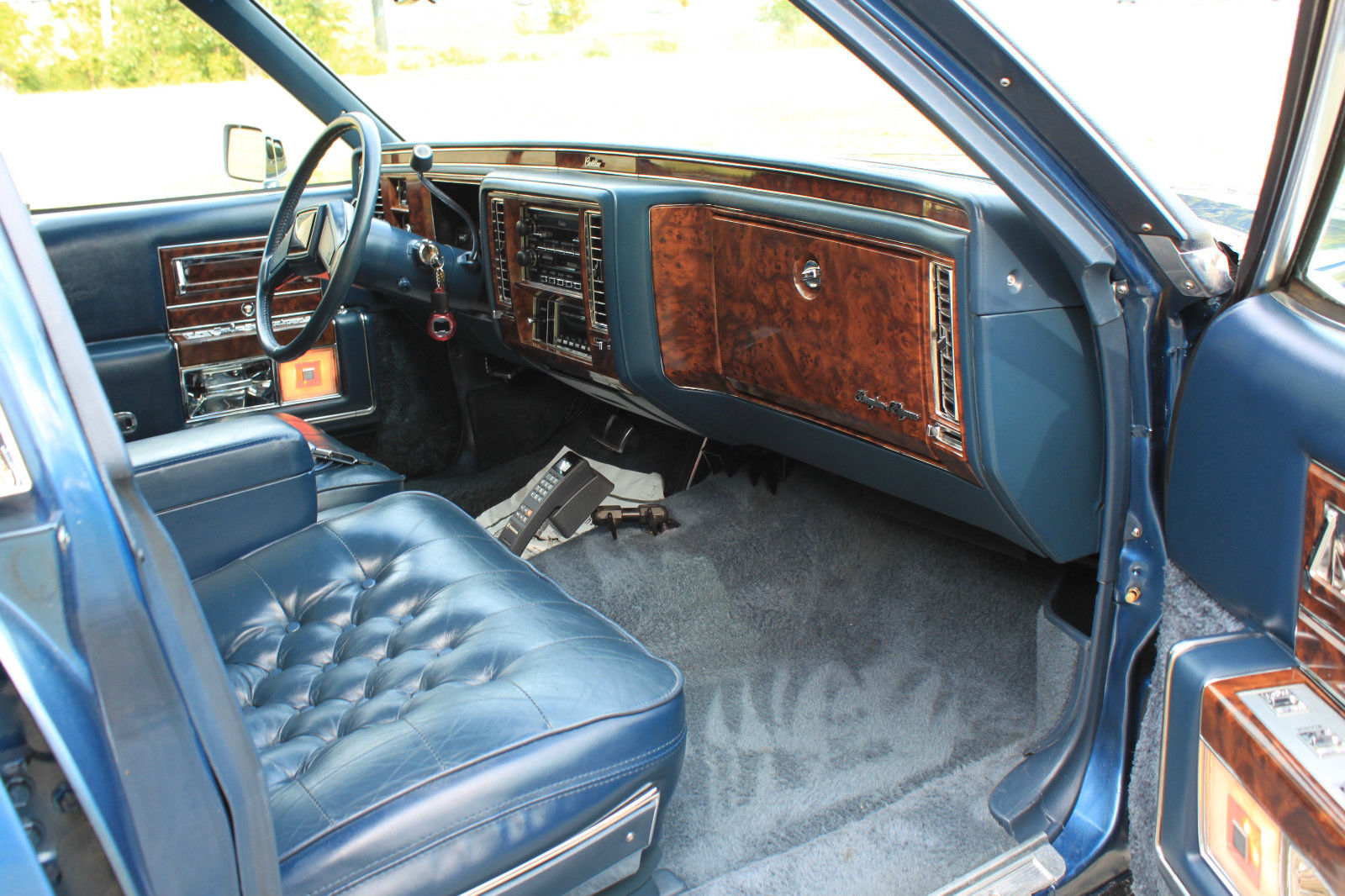 super clean 1991 cadillac brougham d 39 elegance only 81k miles. Black Bedroom Furniture Sets. Home Design Ideas