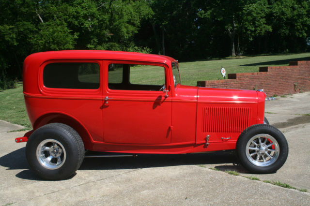 1932 ford 2 door sedan henry steel street rod for 1932 ford 2 door coupe