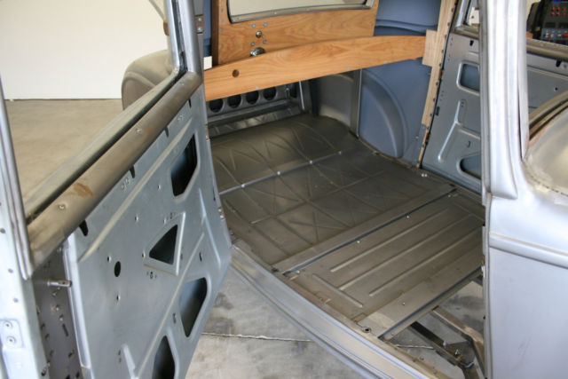 1932 Ford 3 Window Coupe Steel Brookville Body With Chassis Roller Project 33 34