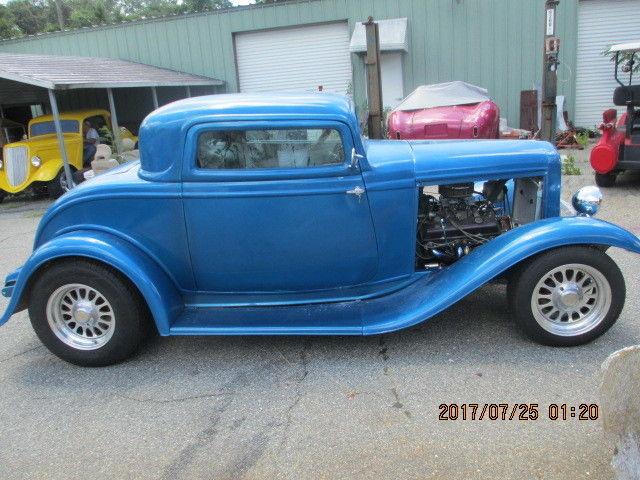 1932 ford 3 window coupe vintage fiberglass replica body for 1932 ford 3 window coupe fiberglass body