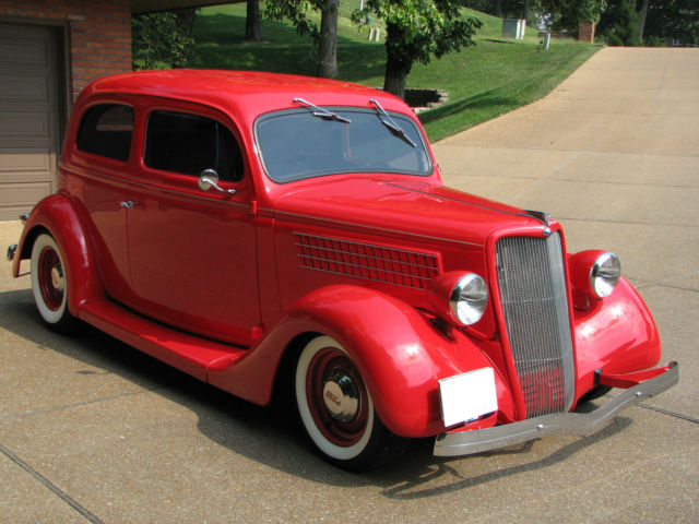 1935 Ford Slantback Sedan