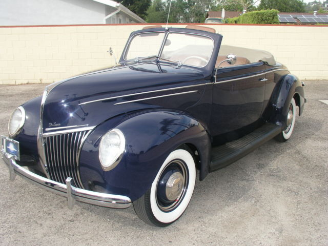 1939 Ford Deluxe Cabriolet 2 Dr Convertible Rumble Seat