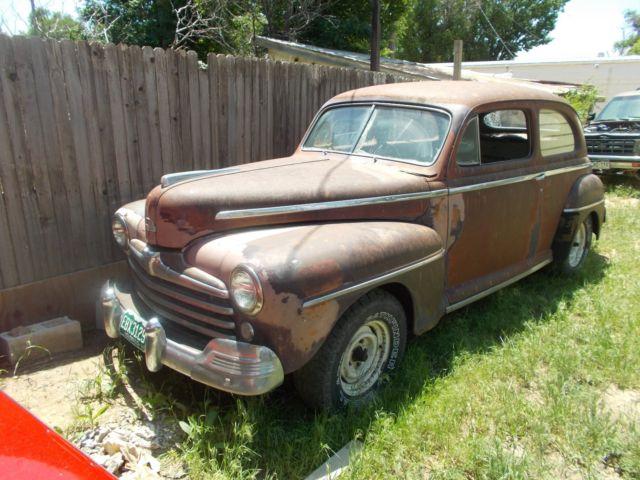 1946ford 2 door sedan