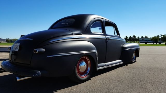 1948 Ford Super Deluxe Coupe Hot Rod