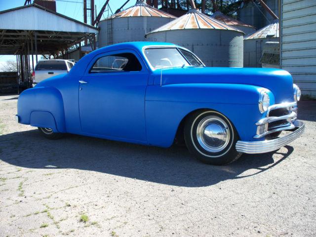 Santa Drive Blue Classic Car