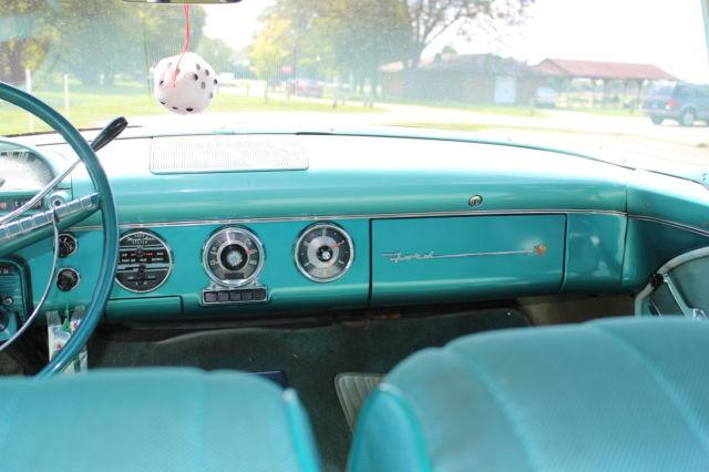 1955 Ford Fairlane Club Sedan 272 V8 Fordomatic Hot Rod