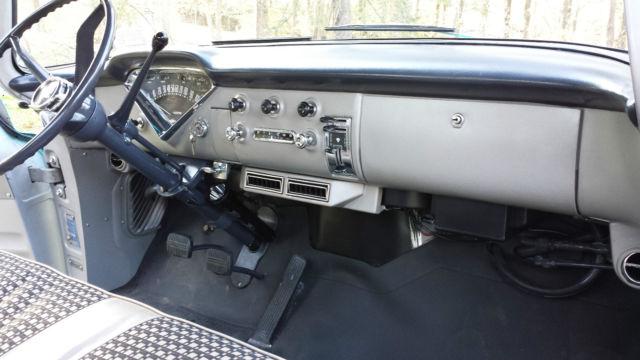 1958 Chevrolet Apache 3100 12 Ton Fleetside Pickup Truck V8 283