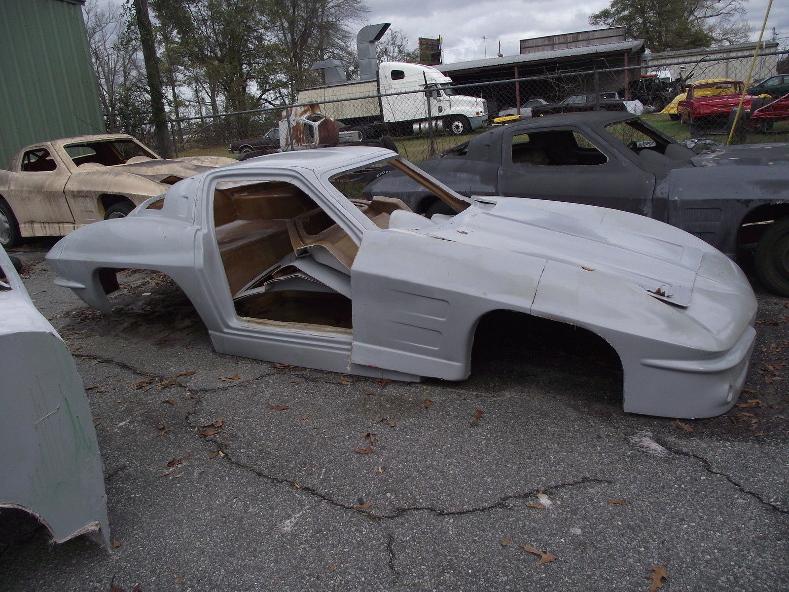 1963 Chev Split Window Corvette Fiberglass Replica Body