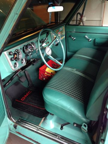 1968 GMC 2500 Pickup - Light Green