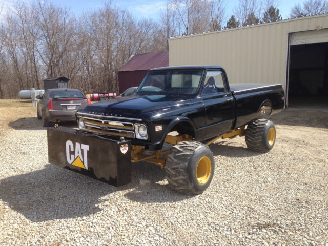1969 CHEVY 4 4 PULLING TRUCK