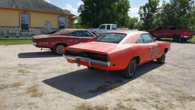 1969 Dodge Charger 440 General Lee And 1968 Charger Rt