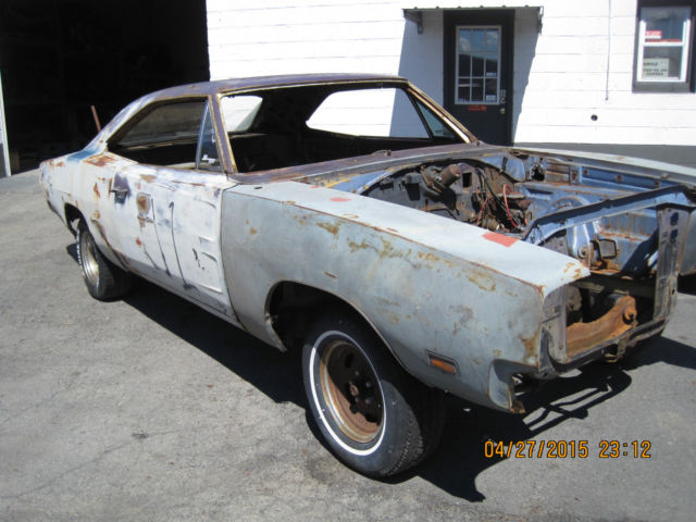 1969 Dodge Charger Big Block 383 Project Car With Extra Parts