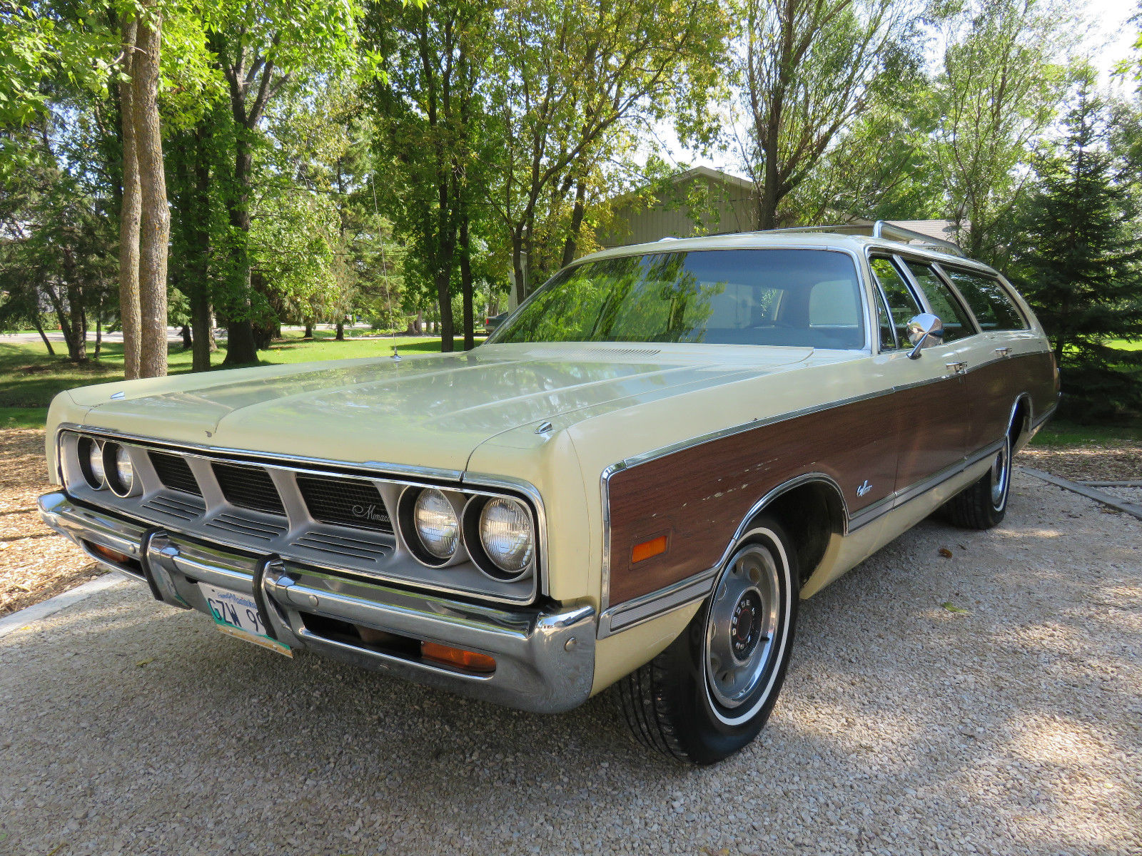 1969 Dodge Monaco station wagon