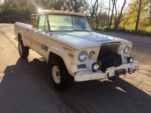 1970 jeep j 10 pickup gladiator custom cab 100777 miles white pickup truck 350 b. Black Bedroom Furniture Sets. Home Design Ideas