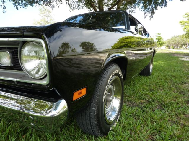 1970 plymouth duster 340 4speed factory original tx9 black car totally redone. Black Bedroom Furniture Sets. Home Design Ideas
