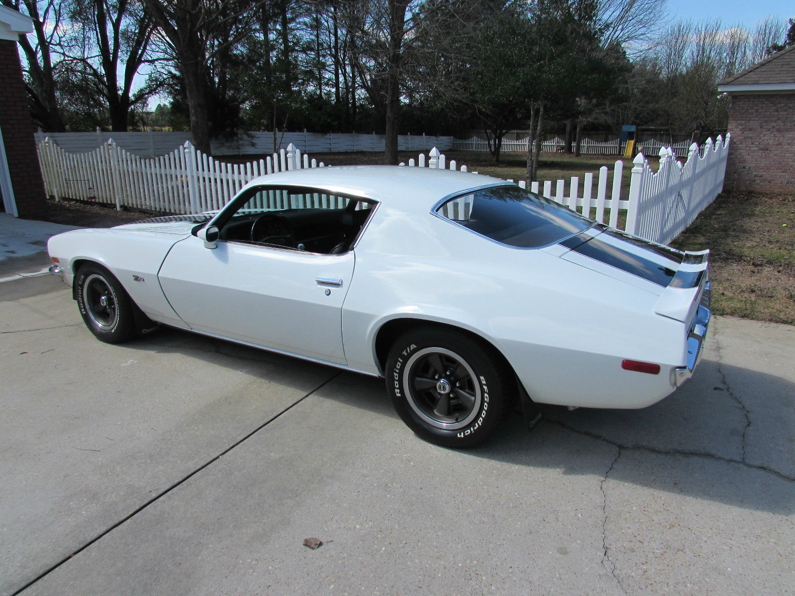 1970 white z28 split bumper camaro clone off frame restoration. Black Bedroom Furniture Sets. Home Design Ideas