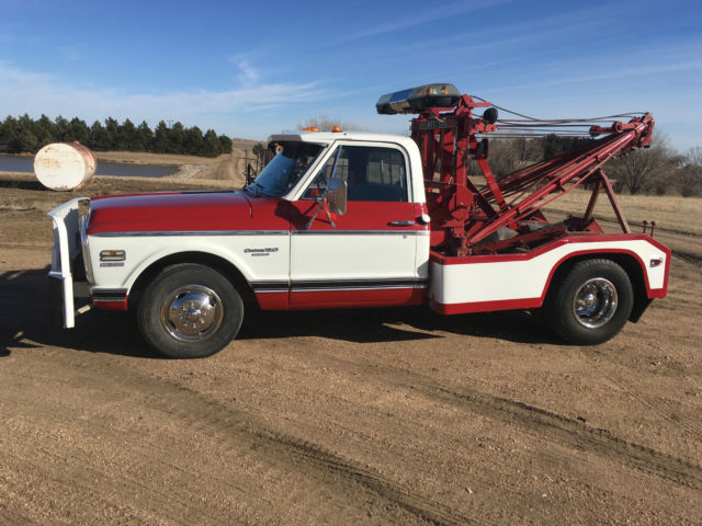 1972 Chevy C 30 Dually Towtruck With Holmes 500 Wrecker Bed