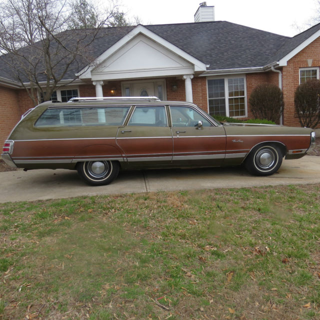 1972 Chrysler Town And Country 9 Passenger Station Wagon