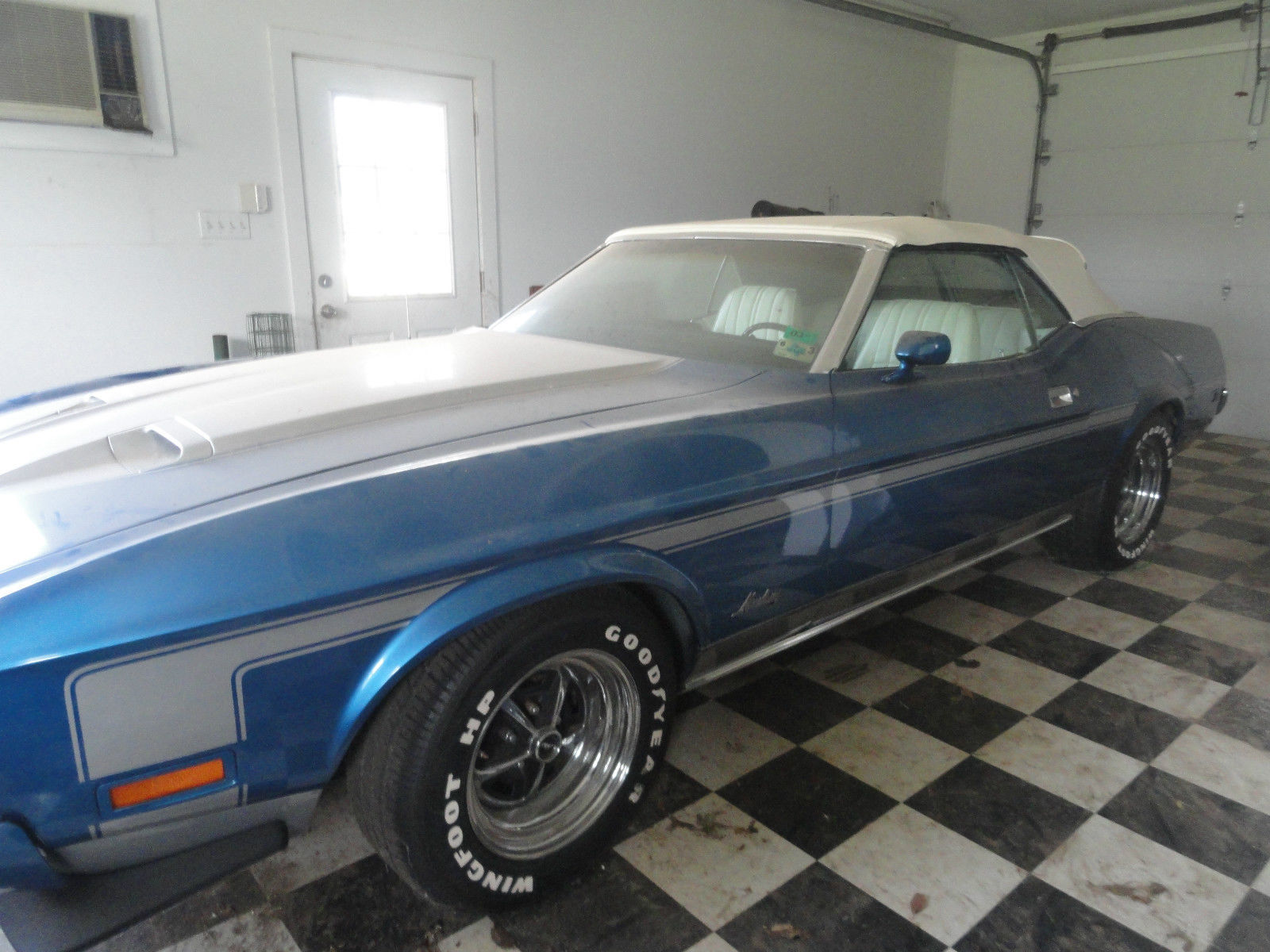 1973 FORD MUSTANG CONVERTIBLE BLUE AND SILVER AC WHITE