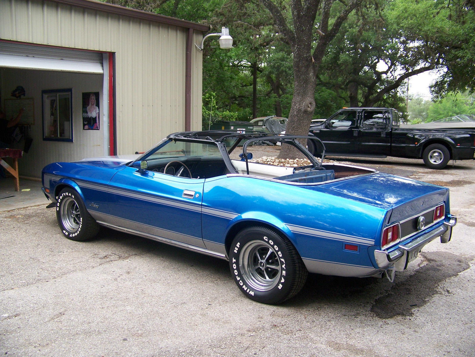 1973 ford mustang convertible blue and silver ac white interior and top. Black Bedroom Furniture Sets. Home Design Ideas