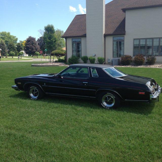 Buick Regal 2 Door Coupe: 1974 Buick Regal