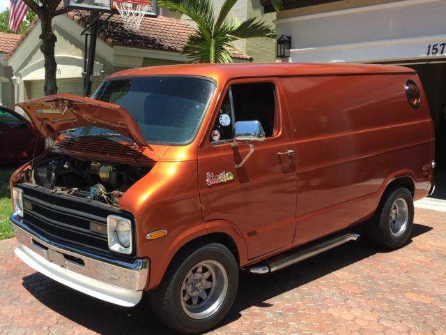 1974 Dodge B100 Shorty Street Van Tradesman 100