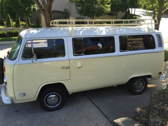 1974 volkswagen bus 57186 miles yellow and white bus. Black Bedroom Furniture Sets. Home Design Ideas