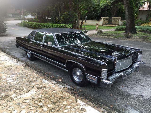 1975 Lincoln Continental Town Car Triple Black