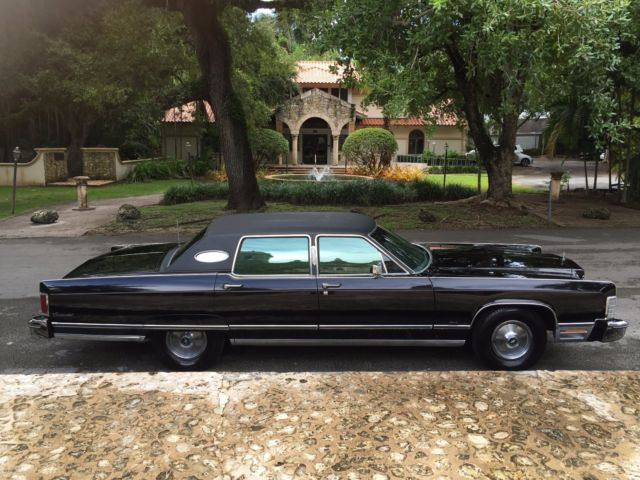 1975 Lincoln Continental Town Car Triple Black