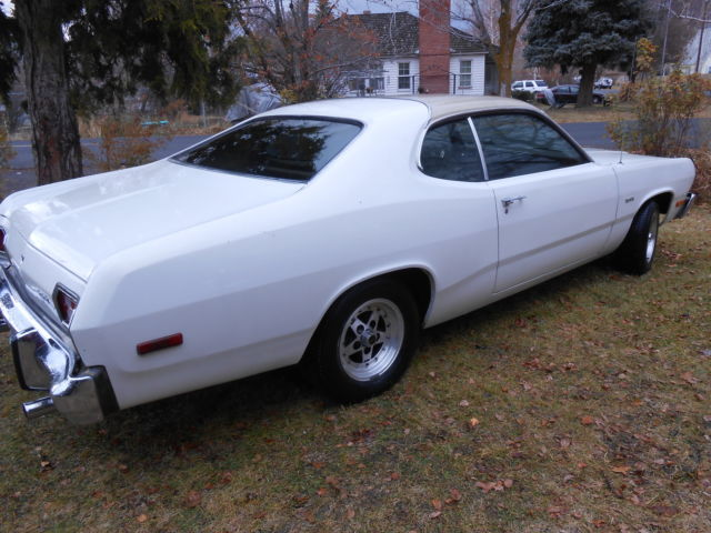 1975 Plymouth Duster 360 Coupe 2 Door 5 9l Space Duster