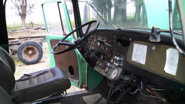 1977 International Loadstar 1700 4x4 Crew Cab