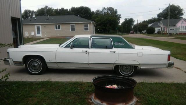 1977 Lincoln Continental Town Car Base Hardtop 4 Door 7 5l