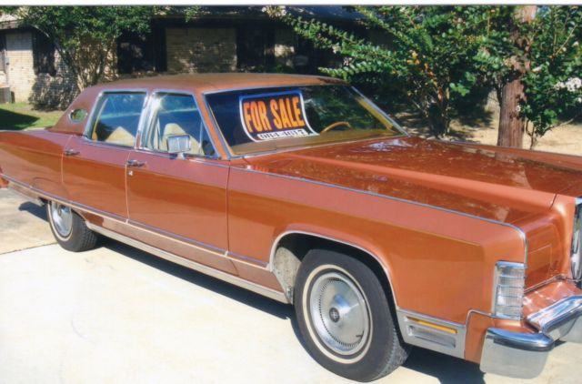 1977 Lincoln Contnental Town Car Gold Pristine Condition