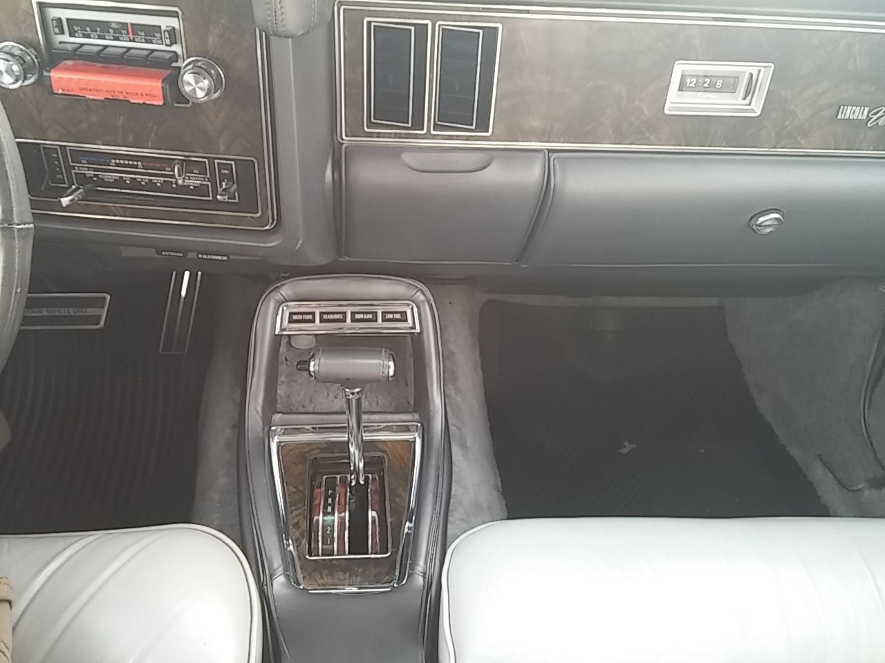 1977 Lincoln Versailles Rare 351ci Floor Shifter Leather