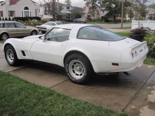1980 corvette l 48 350 rare 4 speed white oyster off road since 04 no reserve. Black Bedroom Furniture Sets. Home Design Ideas