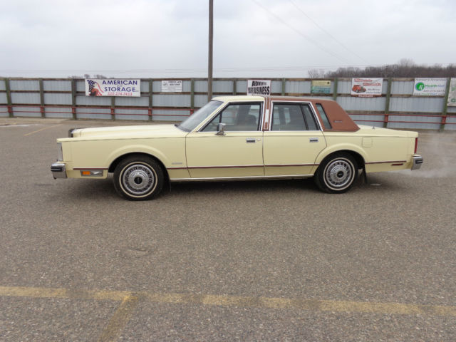 1981 Lincoln Town Car Sedan 4 Door 5 0l Low Mile Original 52k