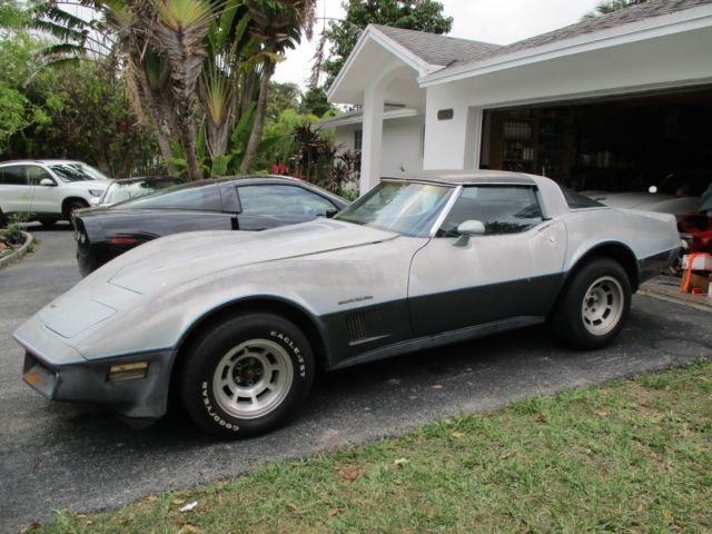 1982 corvette 1 no reserve 39 s matching. Black Bedroom Furniture Sets. Home Design Ideas