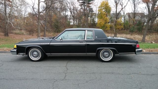 1983 buick park avenue limited electra 2 door black low. Black Bedroom Furniture Sets. Home Design Ideas