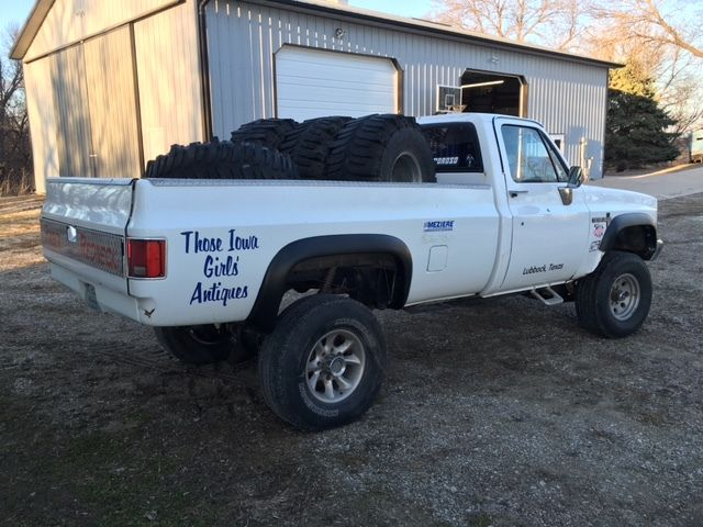 1983 chevy k2500 square body 4x4 truck former mud racer rust free square body. Black Bedroom Furniture Sets. Home Design Ideas