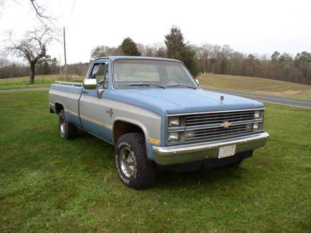 1984 chevrolet silverado 4 x 4 long bed pickup truck 4 wheel drive automatic k10. Black Bedroom Furniture Sets. Home Design Ideas