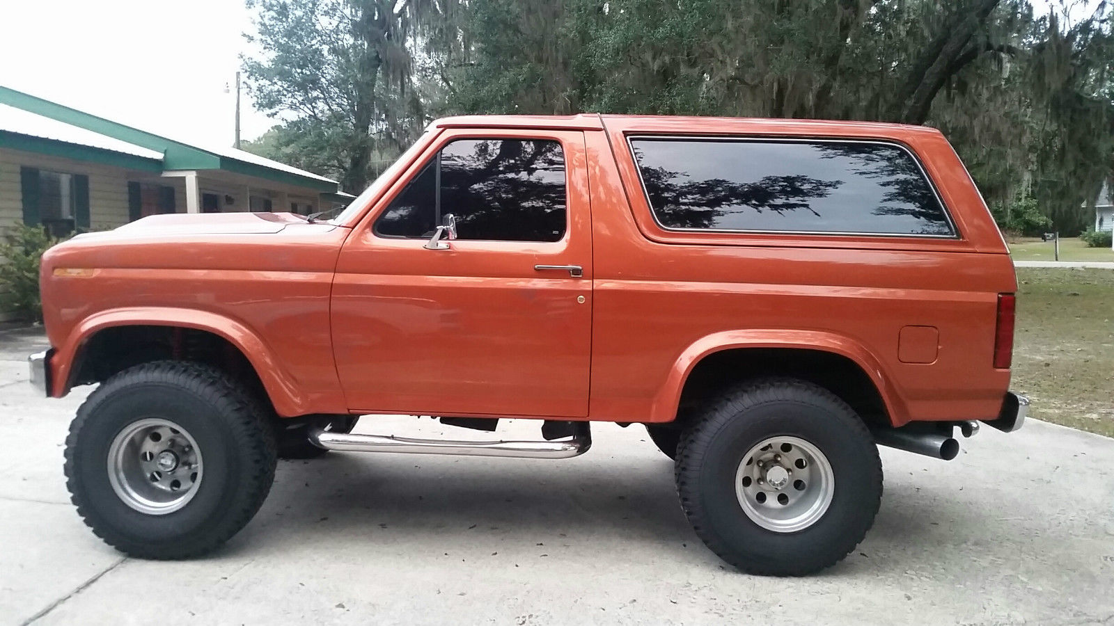 1984 Custom Ford Bronco 4x4 302 Auto A C Lifted New Bfg
