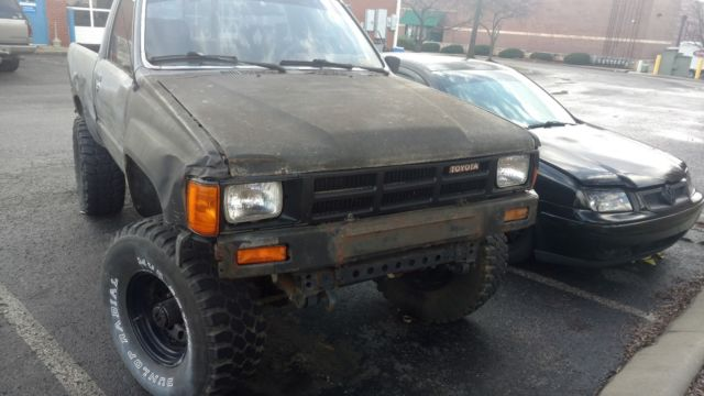 How Long Does A Rebuilt Transmission Last >> 1985 Toyota Pickup Hilux 22R. 4x4 Front Straight Axle ...
