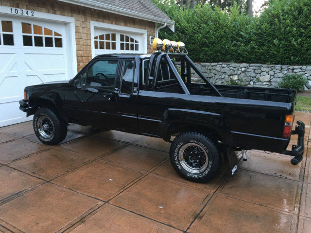 1985 toyota sr5 pick up back to the future marty mcfly check out