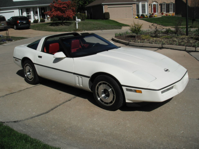 1985 White Corvette With Red Interior Automatic Targa Top Leather