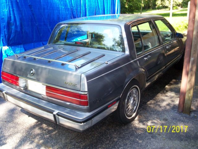 1986 buick electra park avenue 89 000 garage kept one. Black Bedroom Furniture Sets. Home Design Ideas
