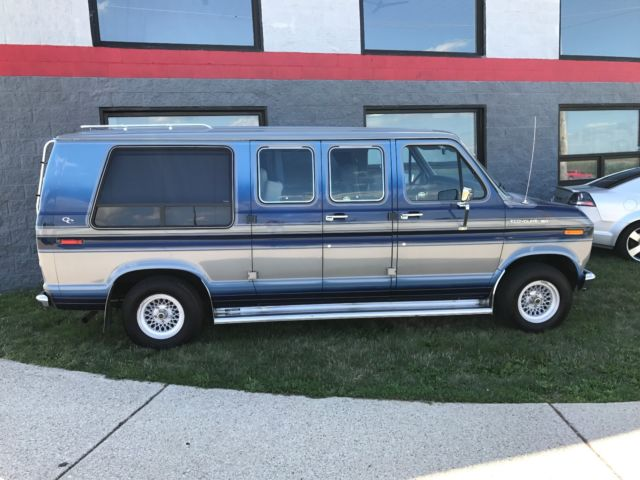 1986 Ford E150 Econoline Conversion Van One Owner Mint