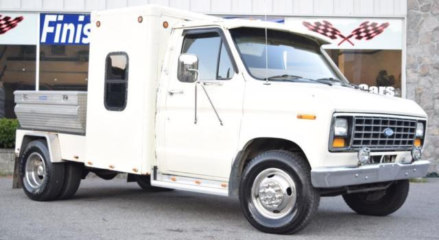 1986 Ford E350 Dually Toy Hauler Tow Vehicle Sleeper