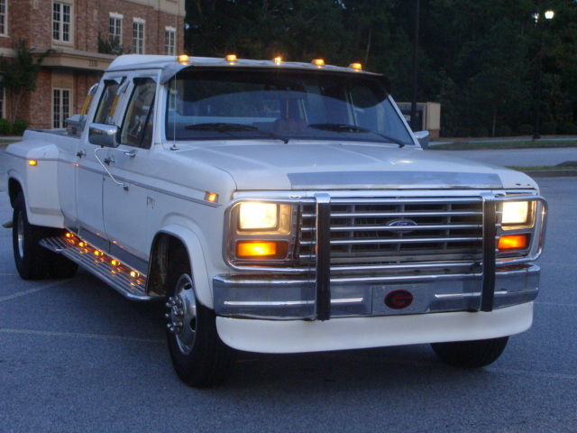 1986 ford f350 4dr diesel dually truck 6 9 turbo diesel truck w new tires. Black Bedroom Furniture Sets. Home Design Ideas