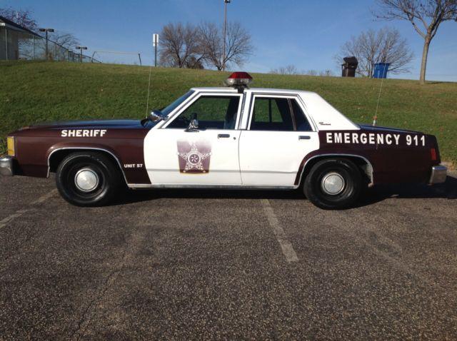 1986 Ford Ltd Crown Victoria Ex Police Car