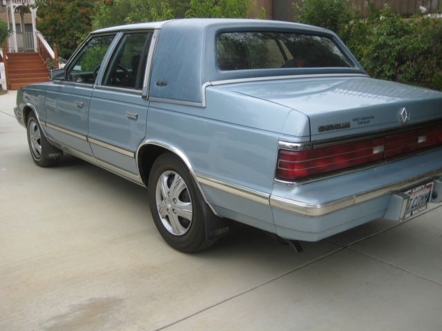 1986 talking chrysler new yorker blue 4 door sedan. Black Bedroom Furniture Sets. Home Design Ideas